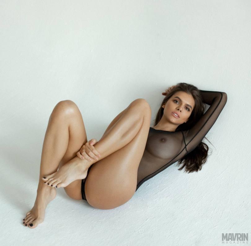 Viki-Odintcova-Nude-for-Mavrin-Mag-12.jpg