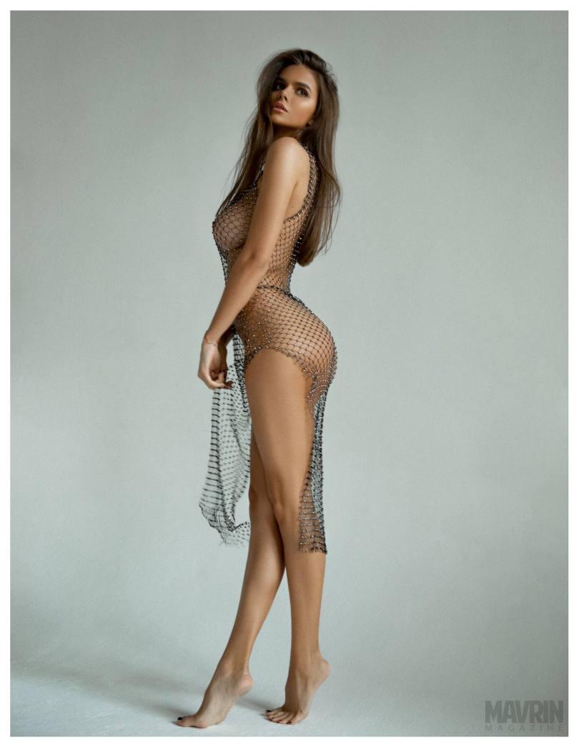 Viki-Odintcova-Nude-for-Mavrin-Mag-15.jpg