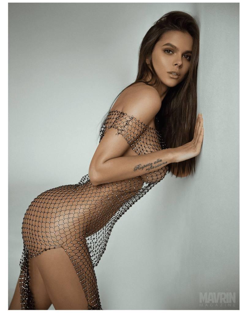 Viki-Odintcova-Nude-for-Mavrin-Mag-18.jpg