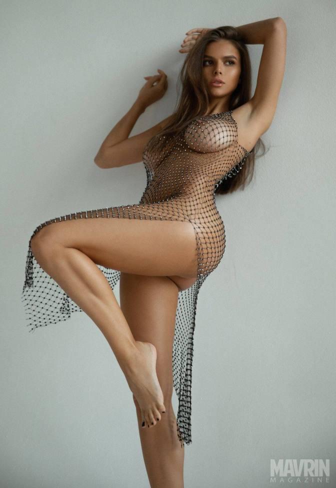 Viki-Odintcova-Nude-for-Mavrin-Mag-20.jpg