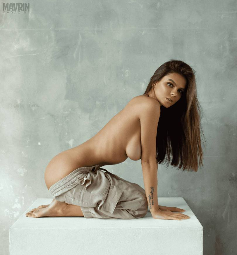 Viki-Odintcova-Nude-for-Mavrin-Mag-24.jpg