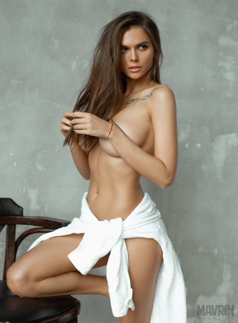 Viki-Odintcova-Nude-for-Mavrin-Mag-31.jpg