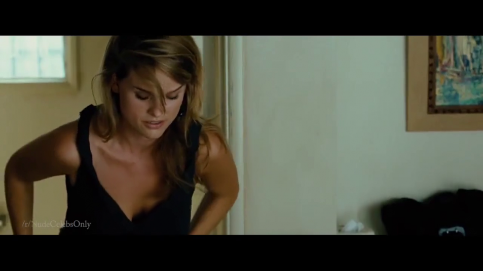 Alice-Eve-nude-caps-from-Crossing-Over-16.png