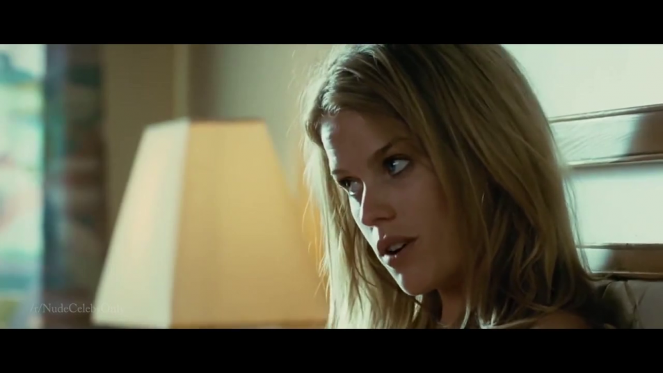 Alice-Eve-nude-caps-from-Crossing-Over-7.png