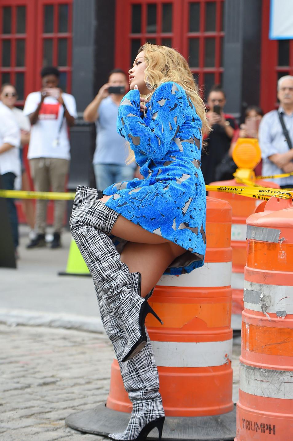 Rita-Ora---upskirt-during-her-video-shoot-in-NYC---10052017-2.jpg