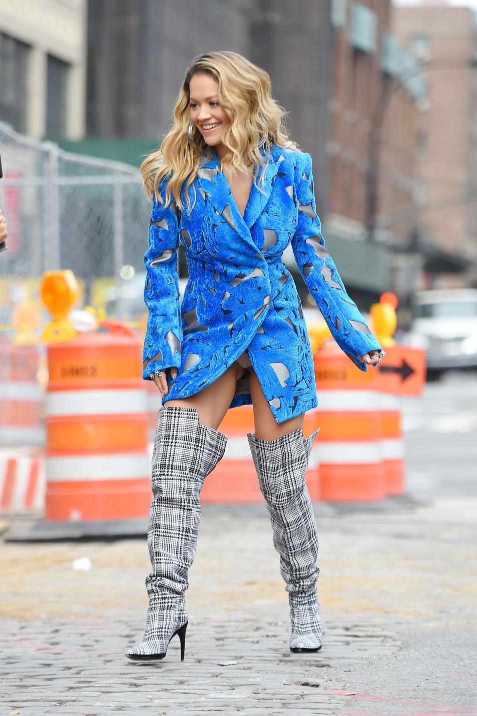 Rita-Ora---upskirt-during-her-video-shoot-in-NYC---10052017-6.jpg