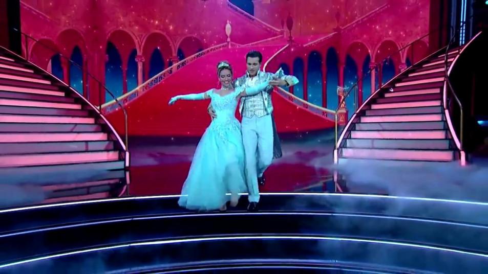 Dancing-with-the-Stars-2020-Chrishell-Stause-s-Waltz-11.jpg