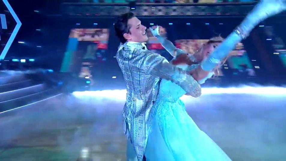 Dancing-with-the-Stars-2020-Chrishell-Stause-s-Waltz-13.jpg