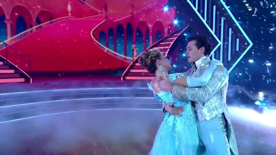 Dancing-with-the-Stars-2020-Chrishell-Stause-s-Waltz-18.jpg