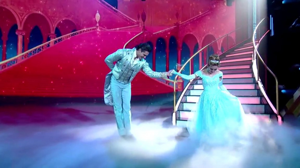 Dancing-with-the-Stars-2020-Chrishell-Stause-s-Waltz-3.jpg