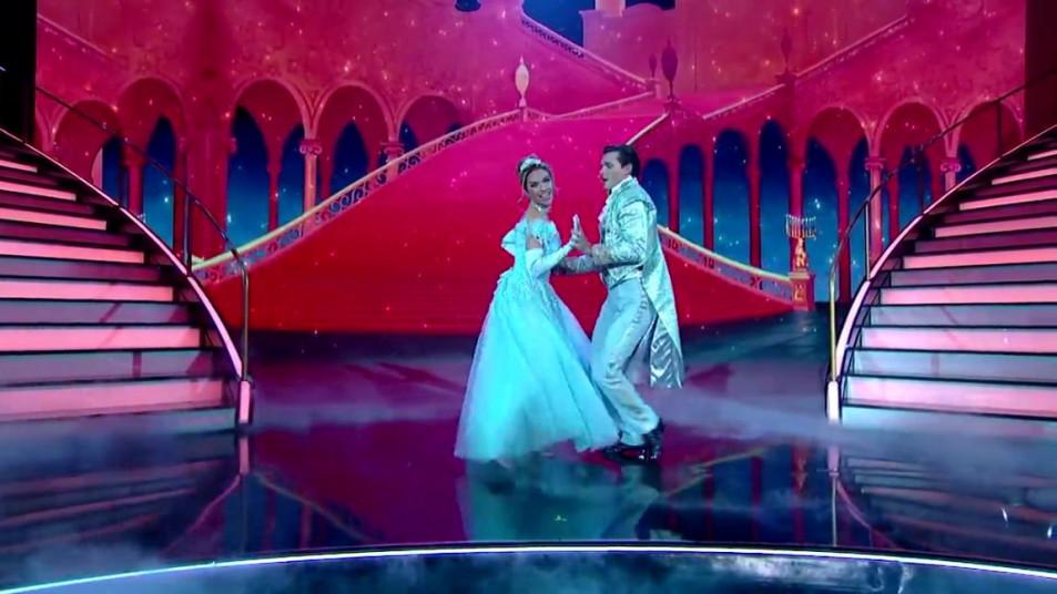 Dancing-with-the-Stars-2020-Chrishell-Stause-s-Waltz-8.jpg