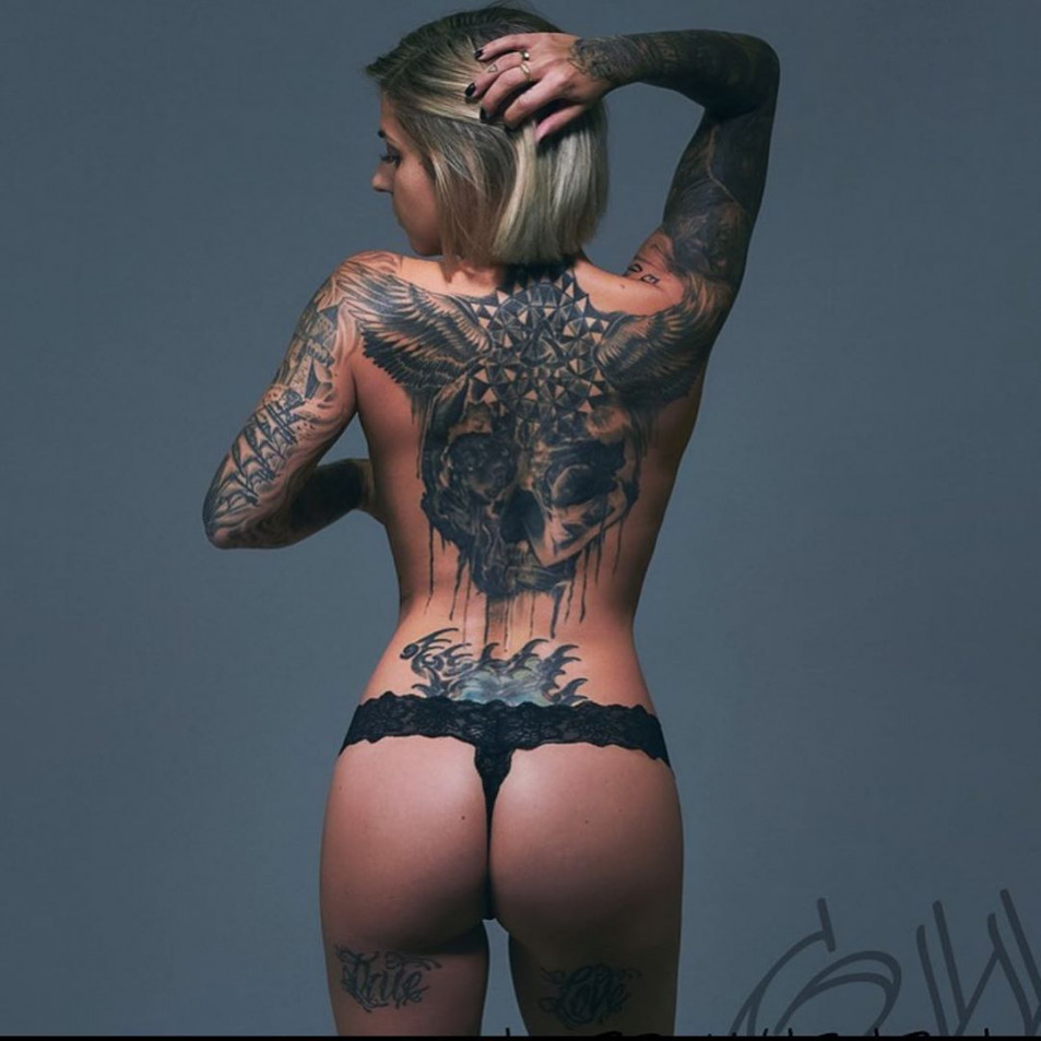 Tattooed-Hotties-hootest-girls-with-tattooes-on-the-web-13.jpg