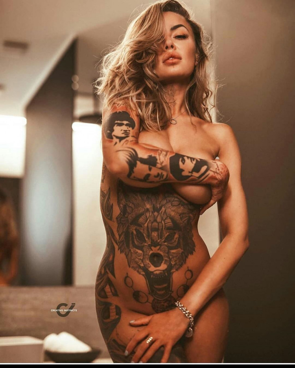 Tattooed-Hotties-hootest-girls-with-tattooes-on-the-web-15.jpg
