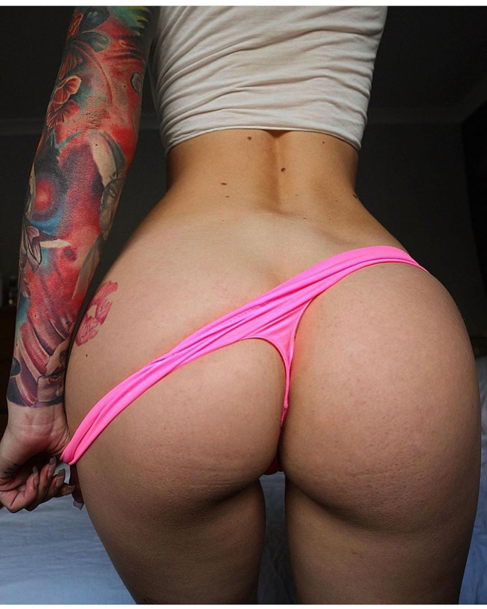 Tattooed-Hotties-hootest-girls-with-tattooes-on-the-web-6.jpg