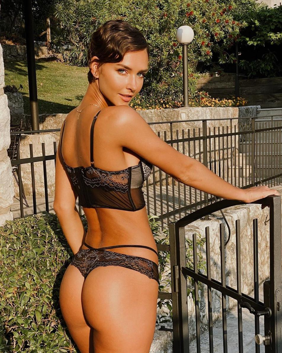 50-Stunning-Rachel-Cook-Nude-Pictures-8.jpg