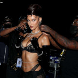 Bella-Hadid-in-Rihannas-Savage-X-Fenty-Show-2