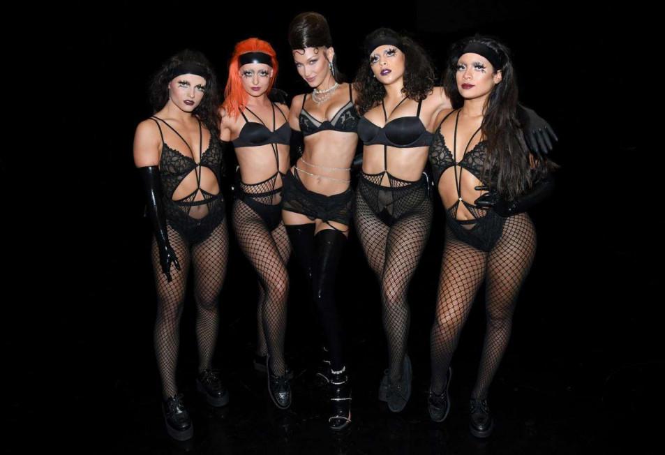 Bella-Hadid-in-Rihannas-Savage-X-Fenty-Show-3.jpg