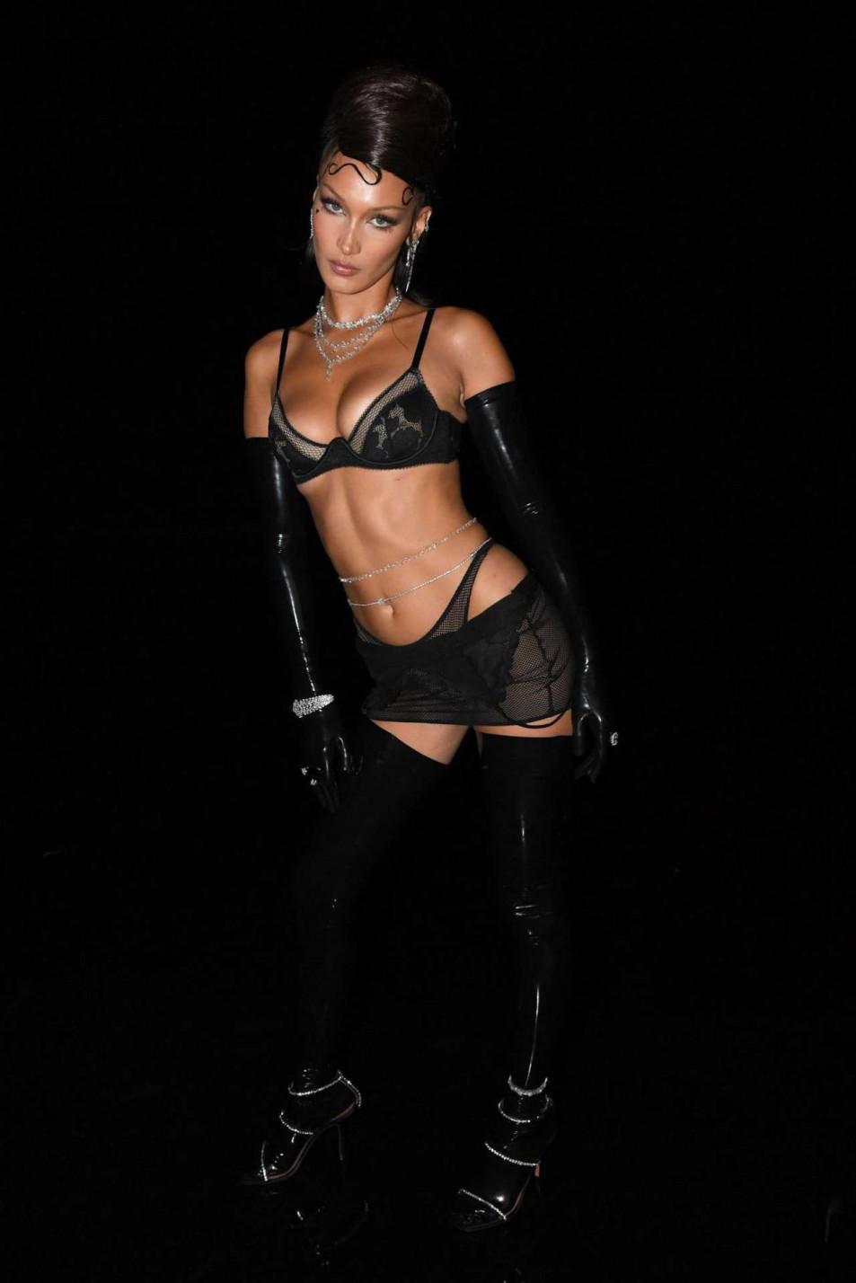 Bella-Hadid-in-Rihannas-Savage-X-Fenty-Show-7.jpg