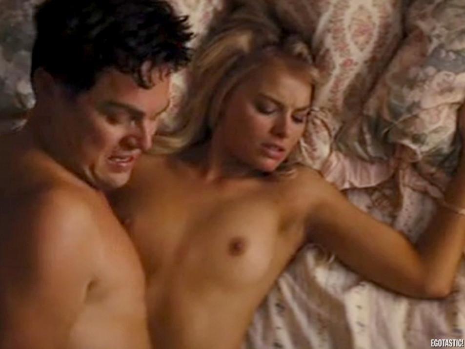 Margot-Robbie-Nude---the-Wolf-of-Wall-Street---Tits-Pussy-Ass-Sex-Upskirt-Full-Frontal-26.jpg
