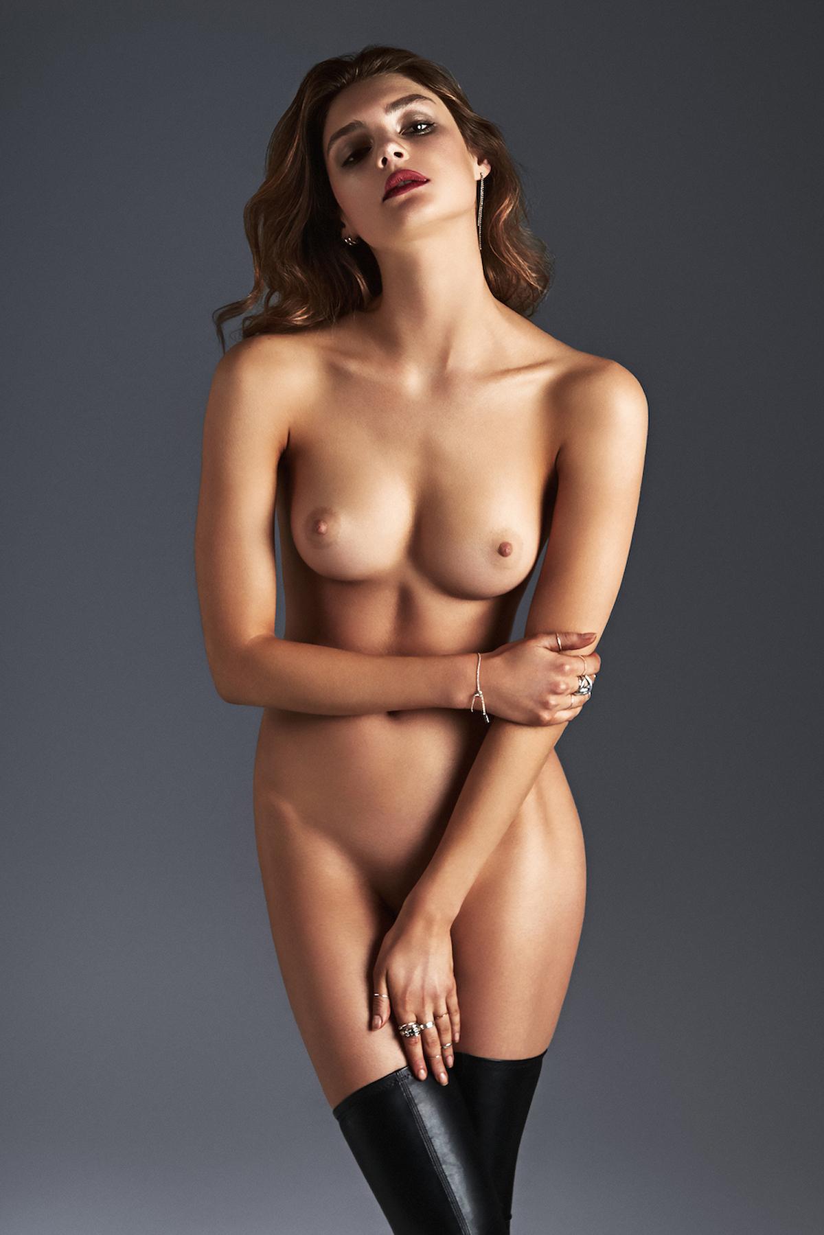 Nude levina Vika Levina