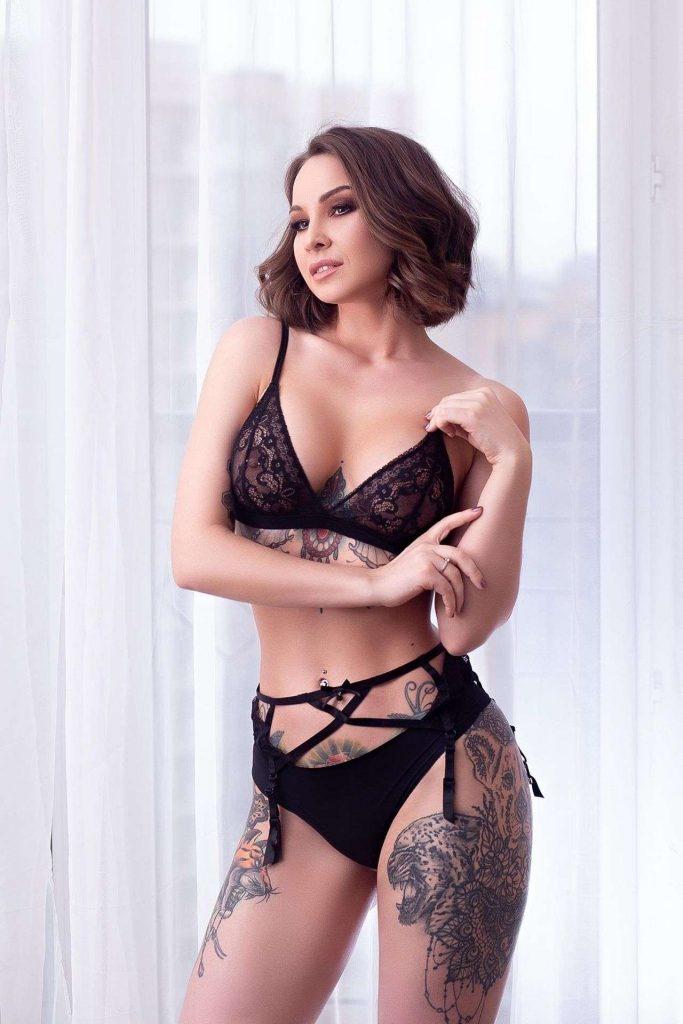 Anastasiya-Snegova-in-hot-lingerie-1.jpg