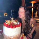 Bella-Hadid-Drunk-on-Her-Birthday-Party-5
