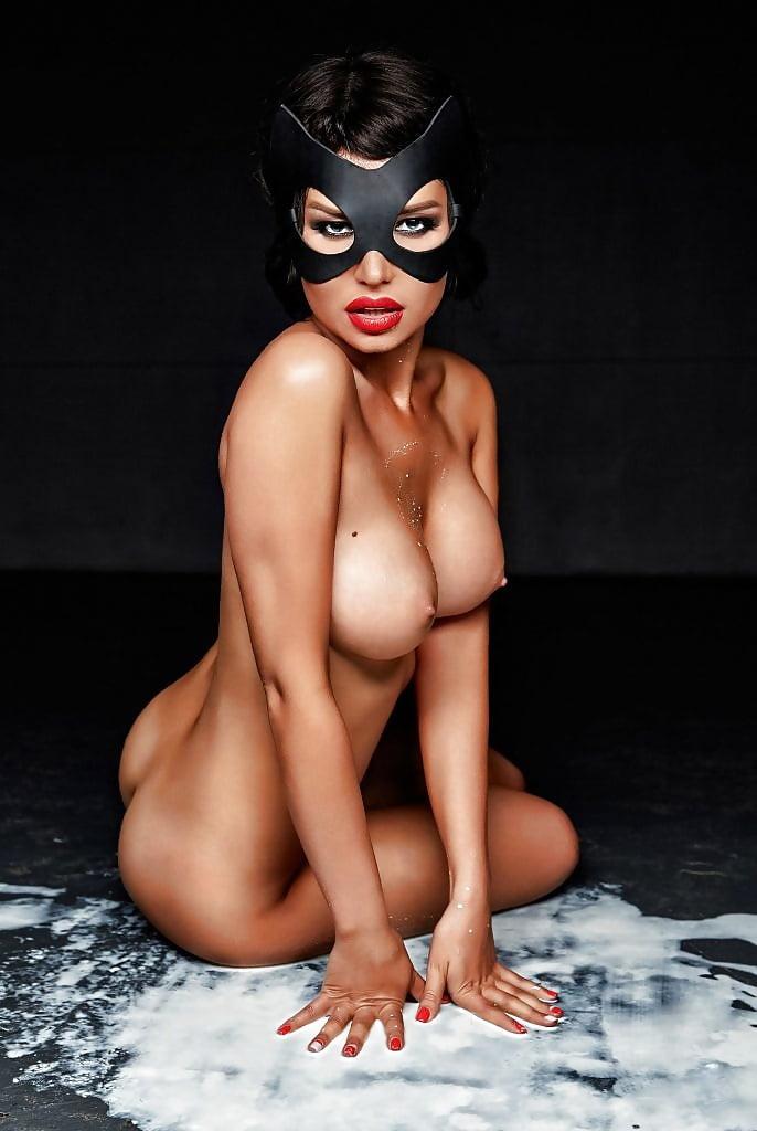 maria-Liman-Fully-Nude-Photoshoot-10.jpg