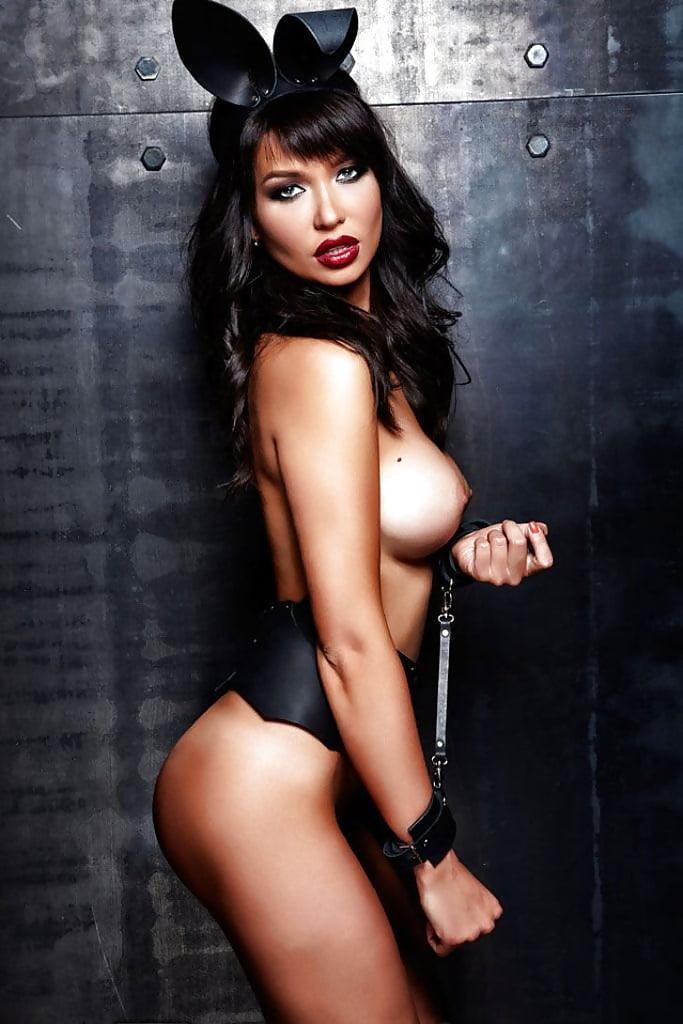 maria-Liman-Fully-Nude-Photoshoot-14.jpg