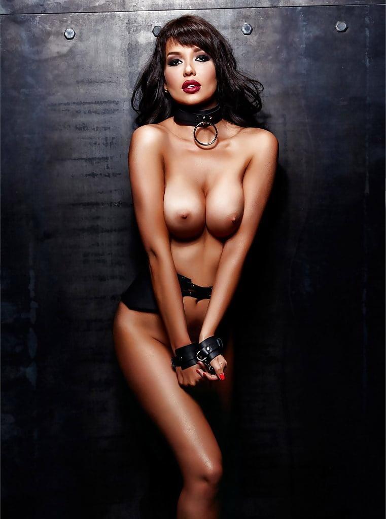 maria-Liman-Fully-Nude-Photoshoot-7.jpg