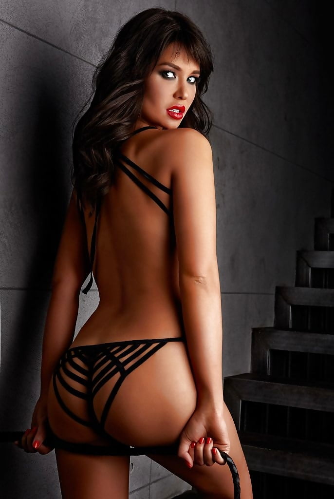 maria-Liman-Fully-Nude-Photoshoot-9.jpg