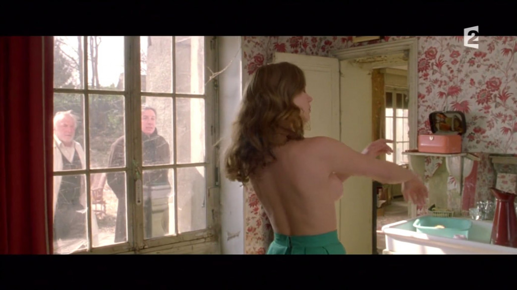 Lea-Seydoux-Nude-Screencaps-from-Roses-a-Credit-13.jpg