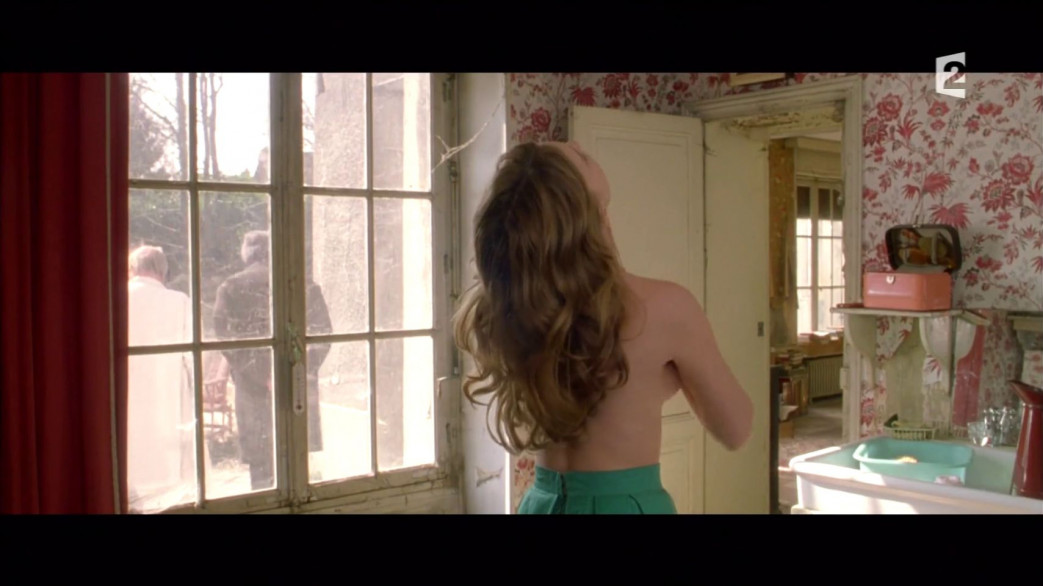 Lea-Seydoux-Nude-Screencaps-from-Roses-a-Credit-15.jpg