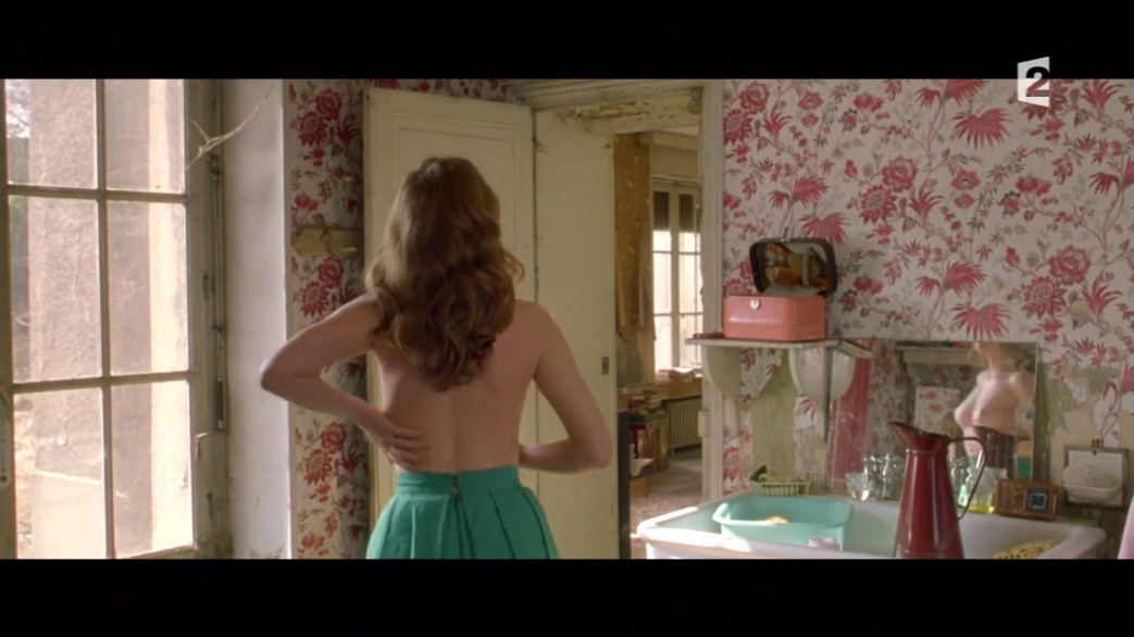 Lea-Seydoux-Nude-Screencaps-from-Roses-a-Credit-20.jpg