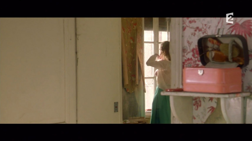 Lea-Seydoux-Nude-Screencaps-from-Roses-a-Credit-22.jpg