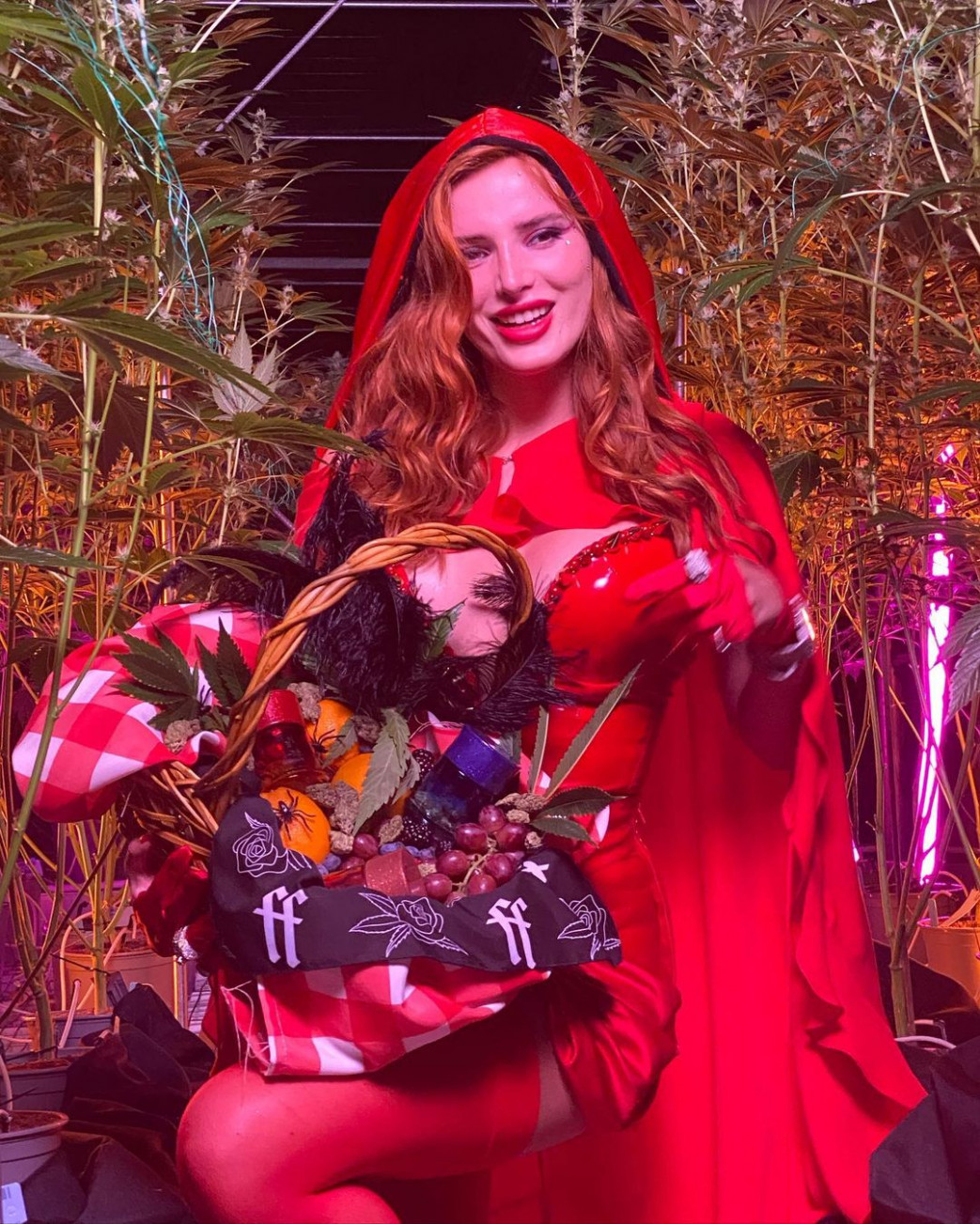 Bella-Thorne-In-Busty-Halloween-Costume-3.jpg