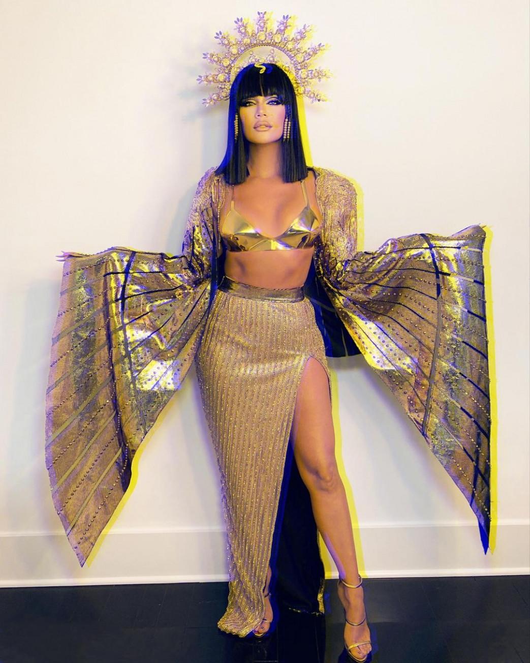 Khloe Kardashian Hot In Cleopatra Halloween Costume