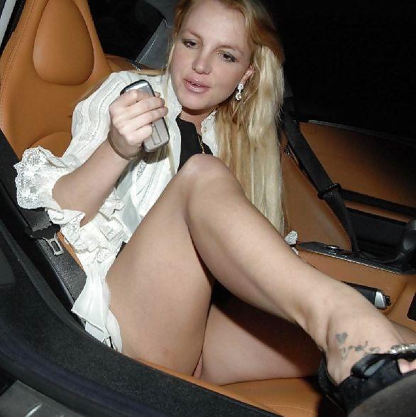 Britney-Spears-Pantyless-Upskirt-5.jpg