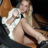 Britney-Spears-Pantyless-Upskirt-5