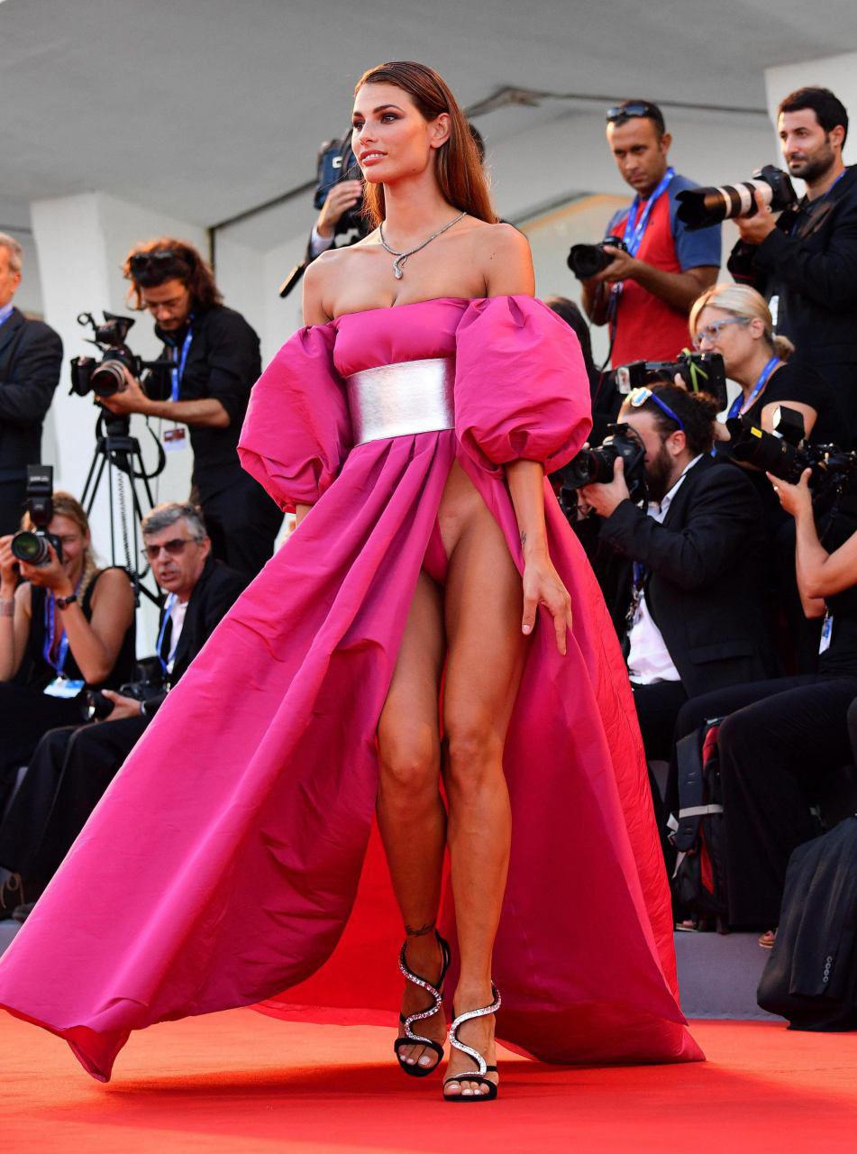 Dayane-Mello-Red-Carpet-Upskirt-1.jpg