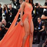 Giulia-Salemi-Pantyless-Red-Carpet-Upskirt-2