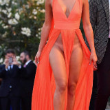 Giulia-Salemi-Pantyless-Red-Carpet-Upskirt-3.jpg