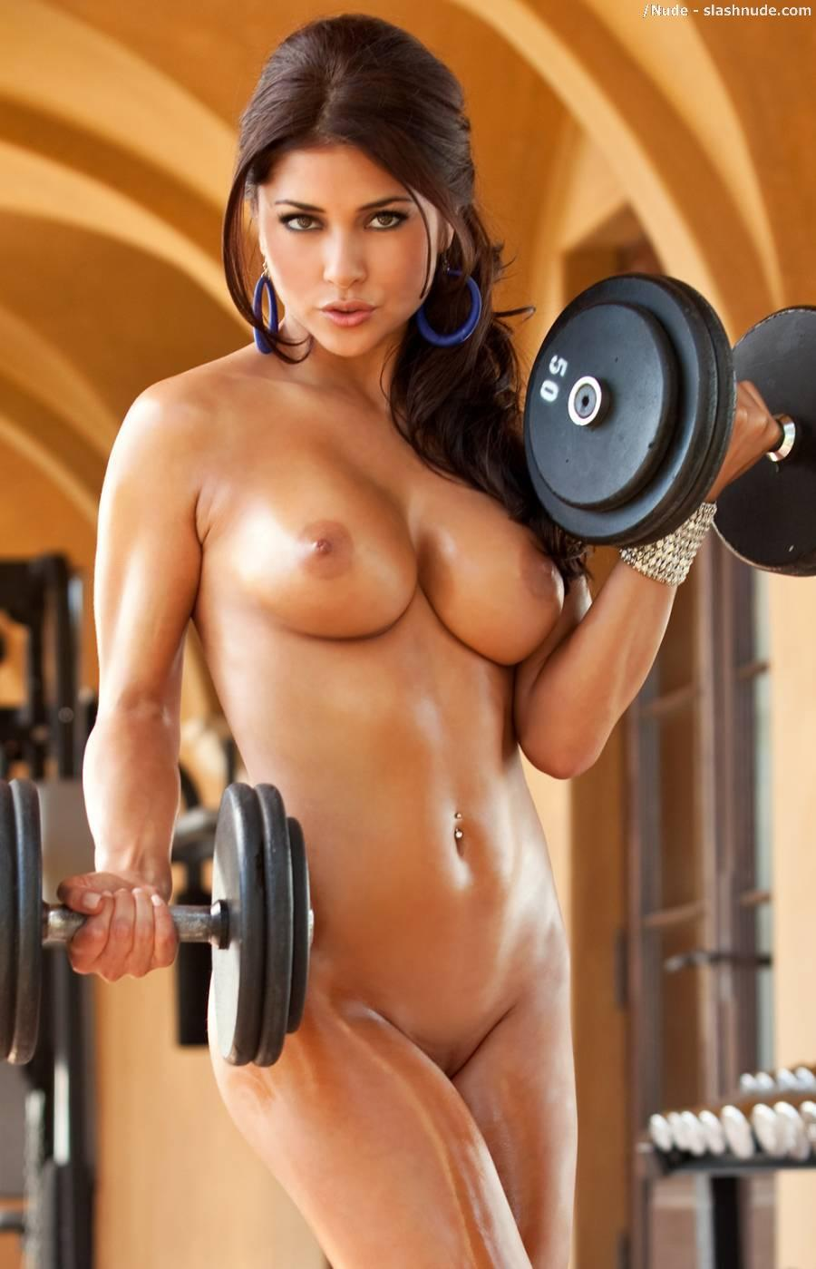 Arianny Celeste nude workout for UFC (4)