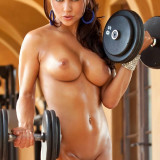 Arianny-Celeste-nude-workout-for-UFC-4