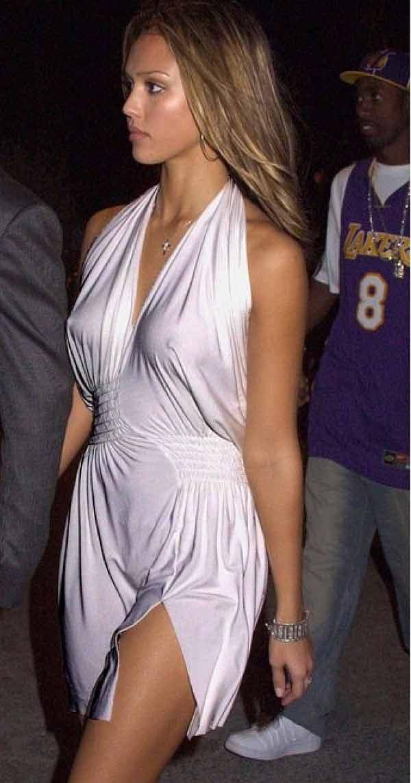 Jessica-Alba-Wardrobe-Malfuction-OOPS-Moments-32.jpg