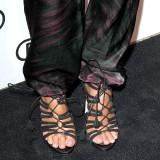 Jessica-alba-Sexy-Feet-Photos-1