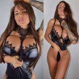 Jessica-Weaver-Huge-Tits-Cleavage-Underboobs-114