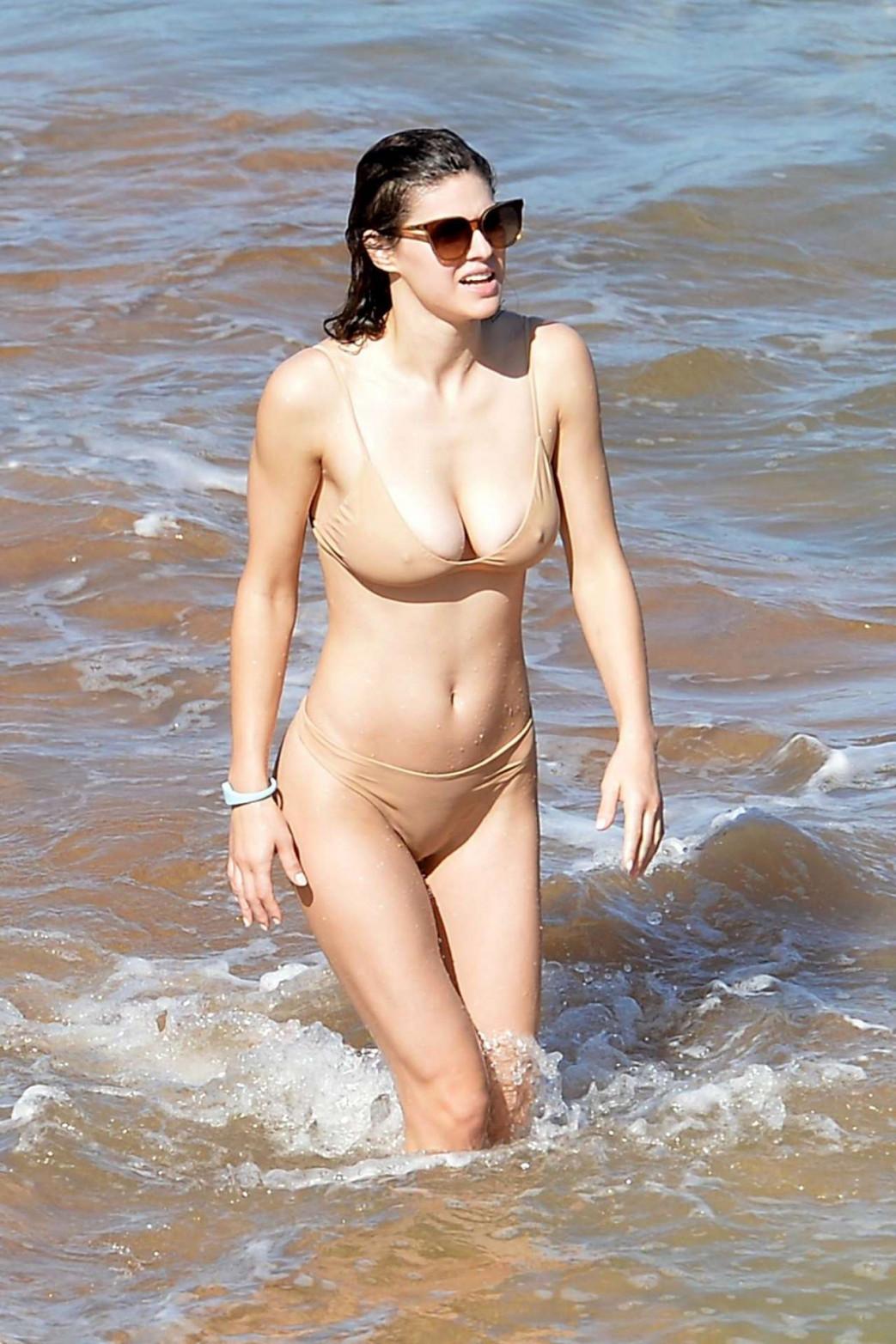 Alexandra-Daddario-Pokies-and-Wedgie-Picking-In-Wet-Bikini-11.jpg