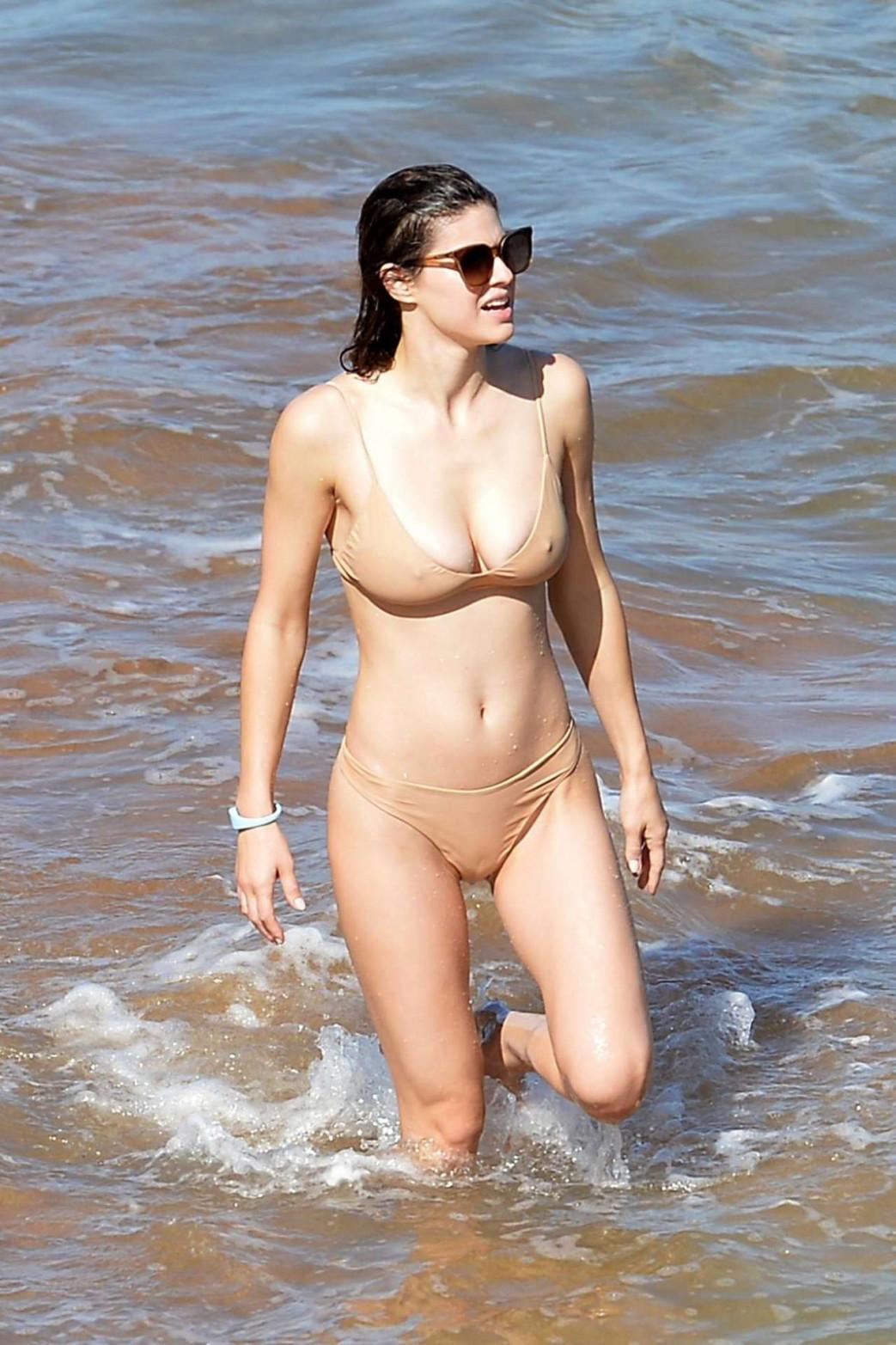 Alexandra-Daddario-Pokies-and-Wedgie-Picking-In-Wet-Bikini-2.jpg