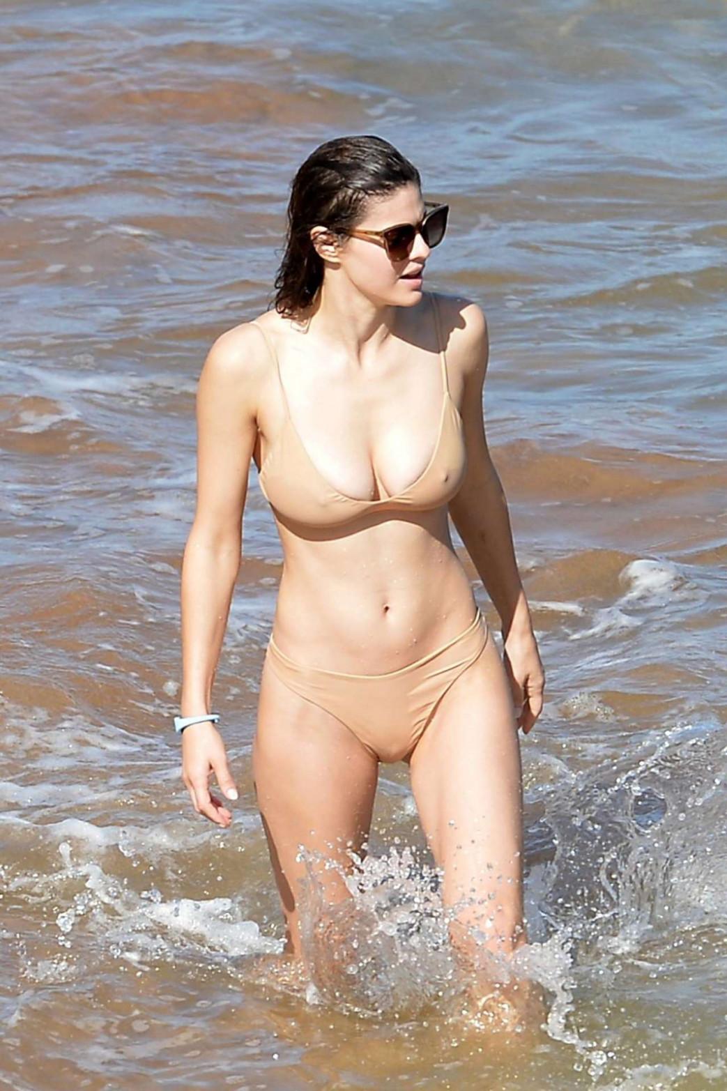 Alexandra-Daddario-Pokies-and-Wedgie-Picking-In-Wet-Bikini-6.jpg