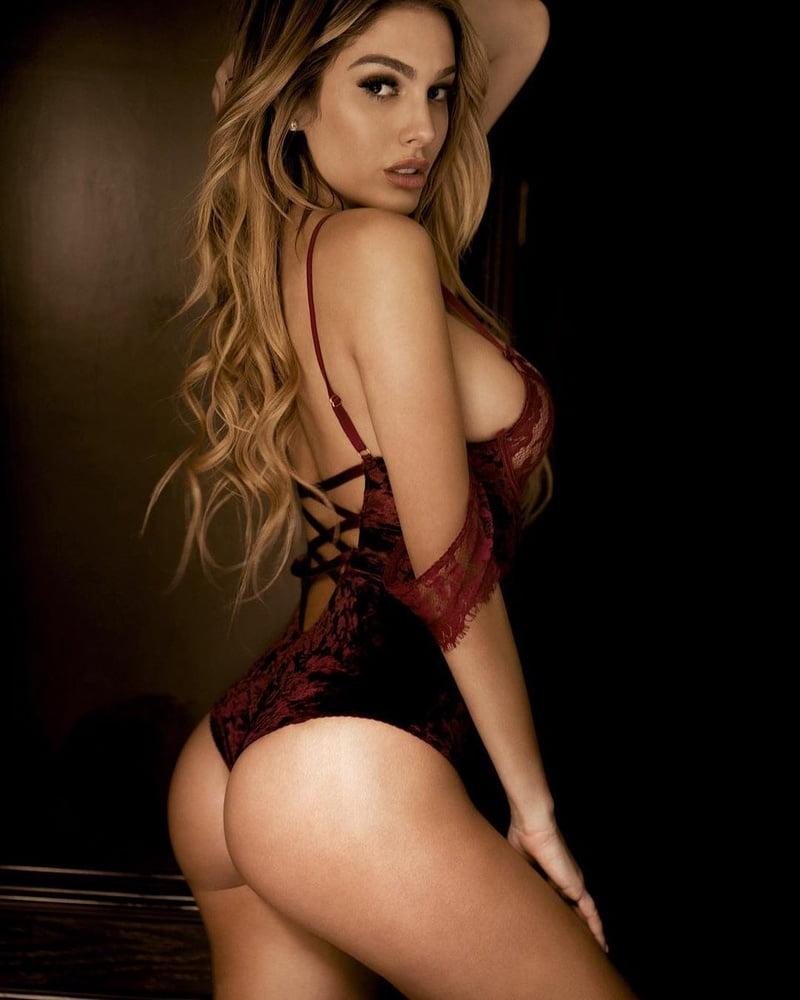 40-Lyna-Perez-in-Sexy-Lingerie-Photos-17.jpg